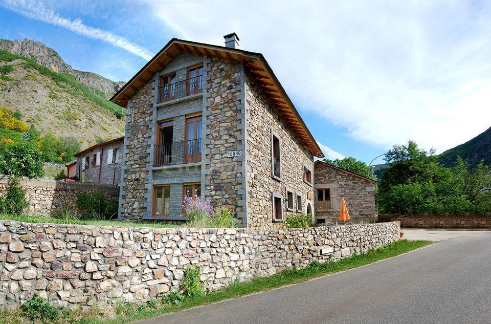 Fotos de casa rural las verdes casa rural en torre de for Jardines de azahar rioja