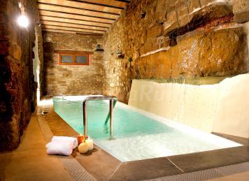 Cal domingo casa rural en bellver d 39 oss lleida for Casas rurales con piscina en castilla la mancha