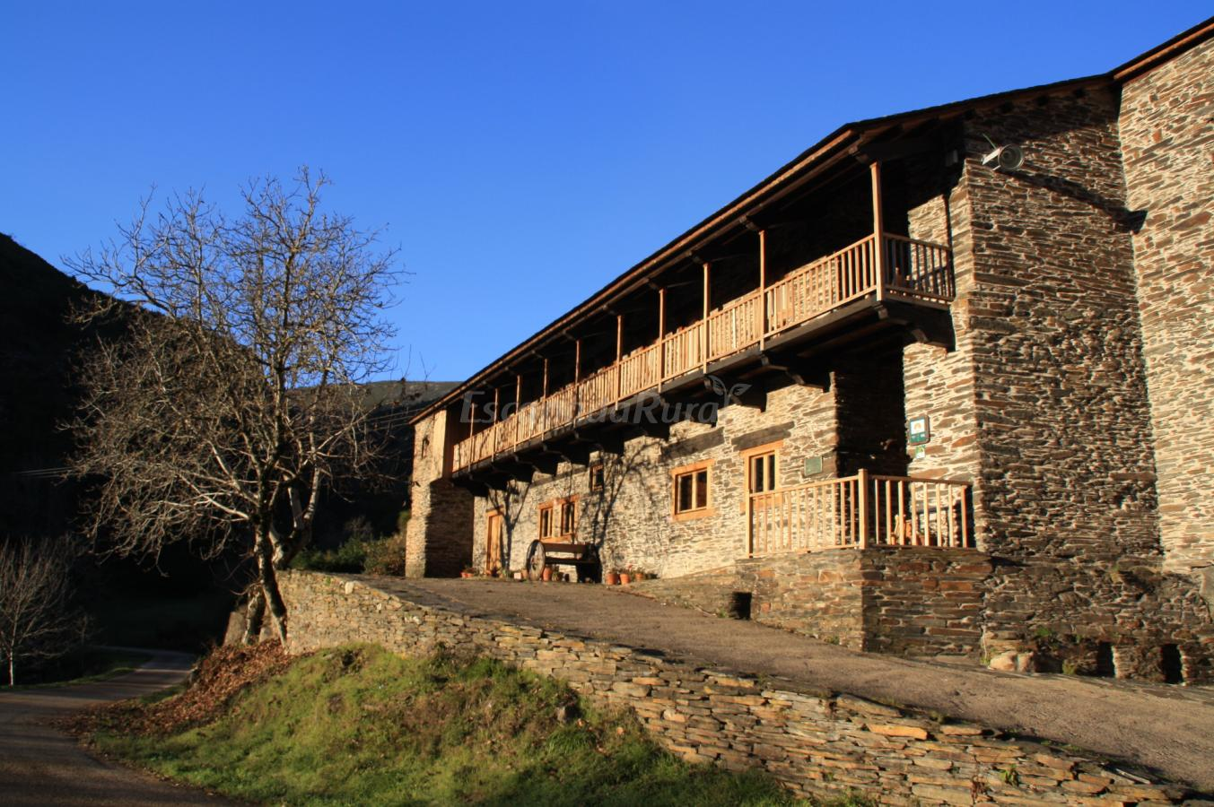 Fotos de casa grande da ferreria de rugando casa rural for Casa rural lugo piscina
