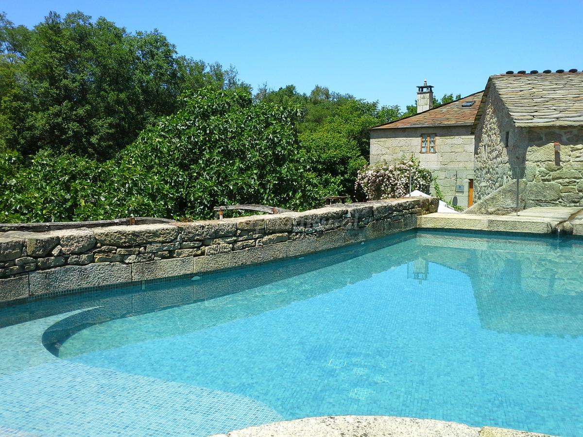 Fotos de fervenza casa grande restaurante casa rural for Casa rural lugo piscina