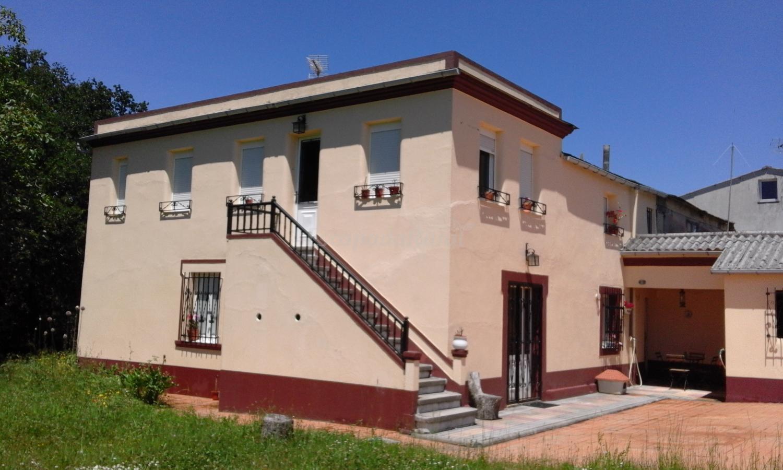 Fotos de casa de corbelle casa rural en muimenta lugo for Casa rural lugo piscina