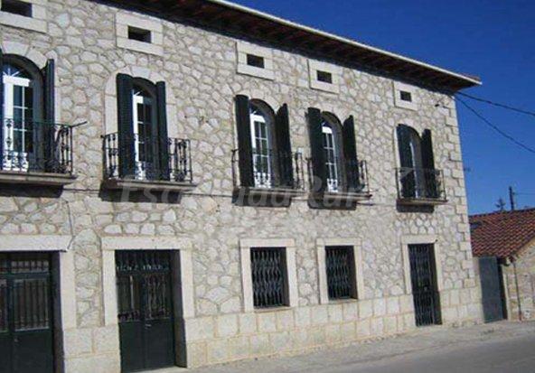 Fotos de alojamientos rurales casas de angela casa rural en lozoyuela madrid - Casa rurales en madrid ...