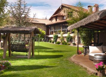 Los 10 mejores rincones de la sierra de madrid for Casa rural romantica madrid