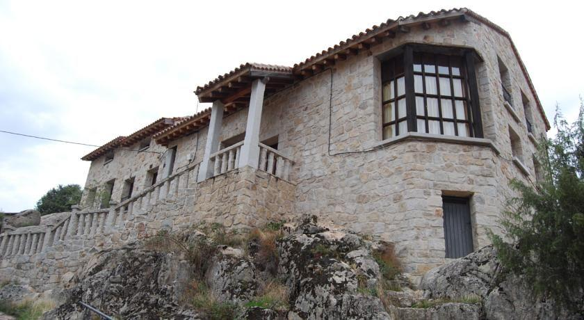 Fotos de alojamientos el castillo casa rural en el berrueco madrid - Casa rural el castillo ...