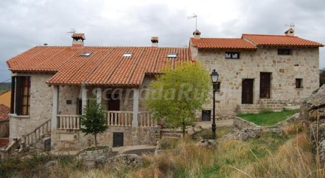 Alojamientos el castillo casa rural en el berrueco madrid - Casa rural el castillo ...