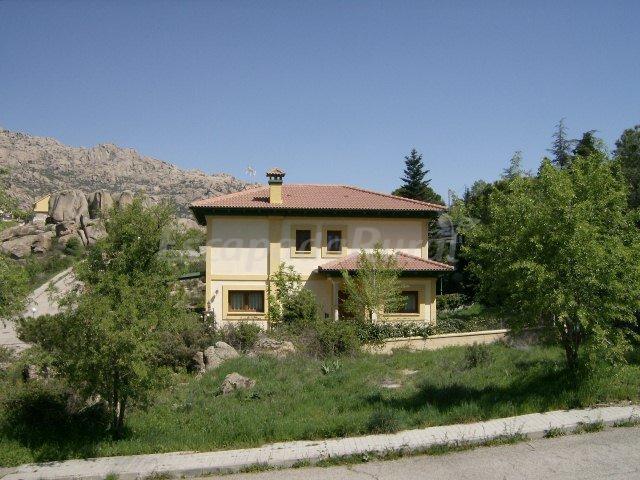 Fotos de la escala casa rural en manzanares el real madrid - Casas en manzanares el real ...