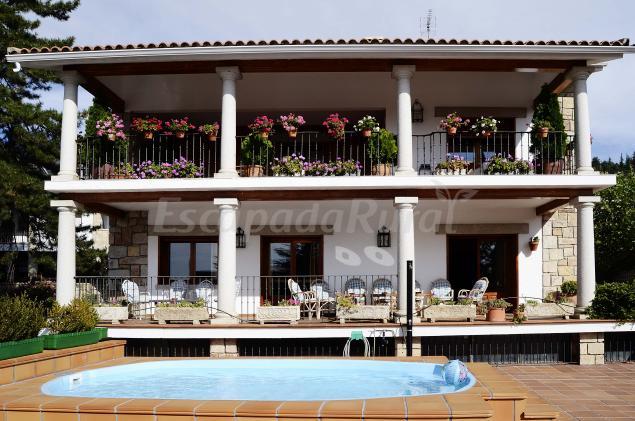La herren casa rural en miraflores de la sierra madrid for Casas de alquiler en la sierra de madrid
