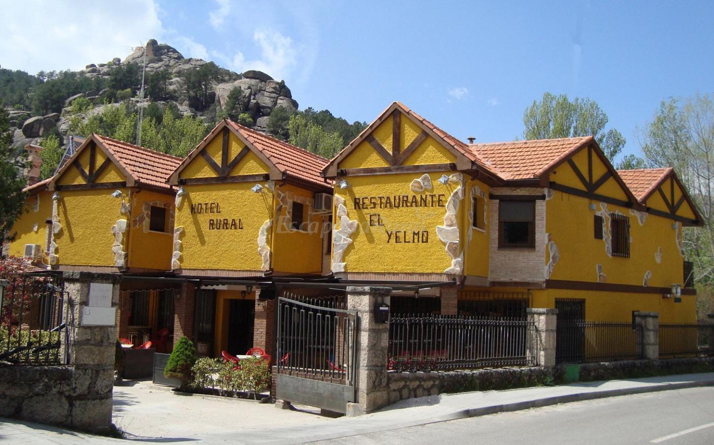 Fotos de hotel rural el yelmo casa rural en manzanares - Casa en manzanares el real ...