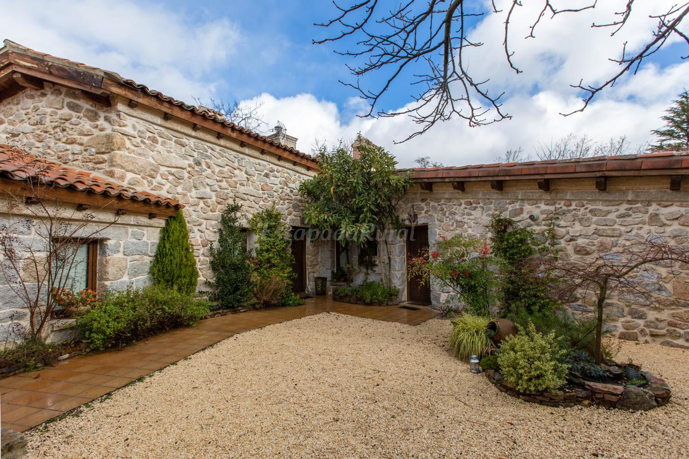 Fotos de el patio de valentina casa rural en navacerrada madrid - Casa rurales en madrid ...