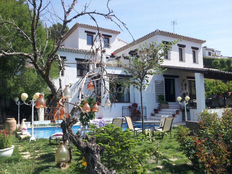 Fotos de las camelias casa rural en olmeda de las for Olmeda de las fuentes casas
