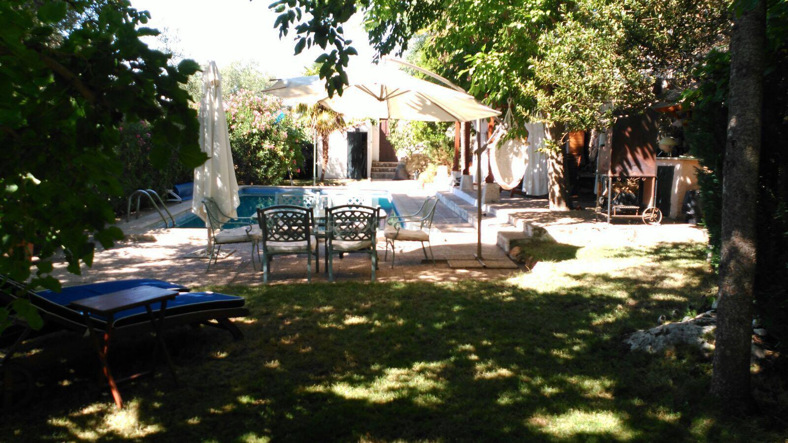 Fotos de casa rural valle de la laguna casa rural en for Casa rural romantica madrid