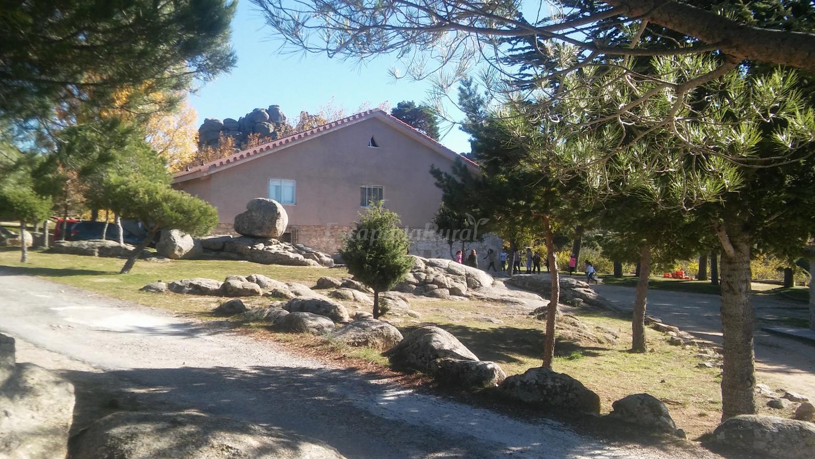 Fotos de albergue los almorchones casa rural en navacerrada madrid - Casas rurales navacerrada ...