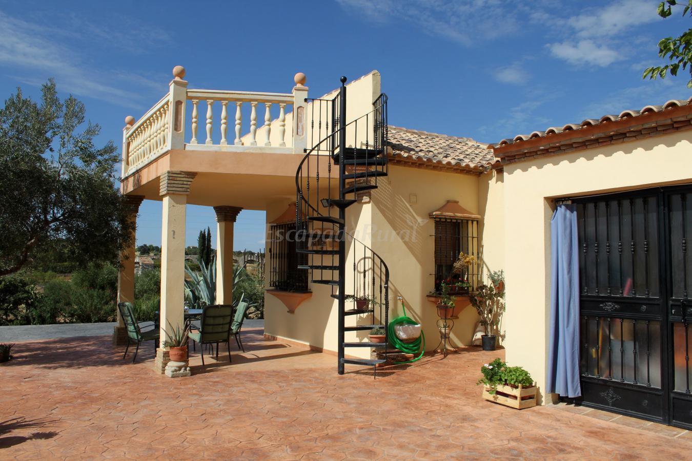 Fotos de casa rural los arcos casa rural en ronda m laga - Casas con porche y terraza ...
