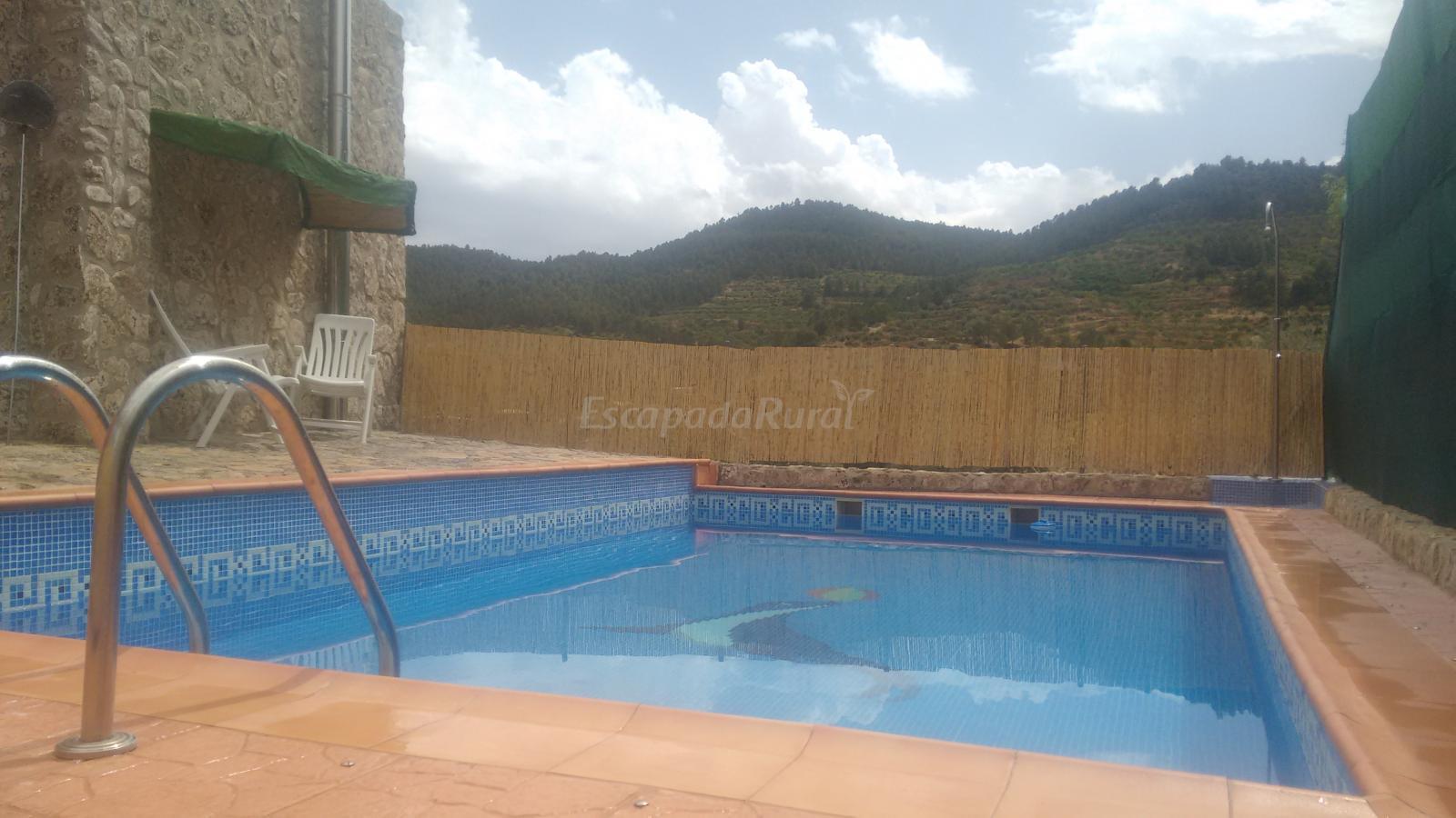 Foto di casa rural los sevilla casa vacanze amazuza murcia for Casa rural sevilla piscina