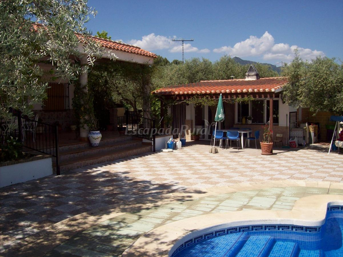 Fotos de cortijo pekenike casa rural en moratalla murcia - Casa rural murcia piscina climatizada ...
