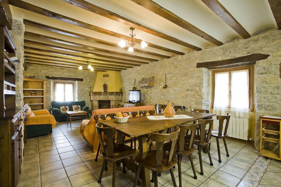 Fotos de casa rural loretxea casa rural en izcue navarra - Casa rural para 2 ...