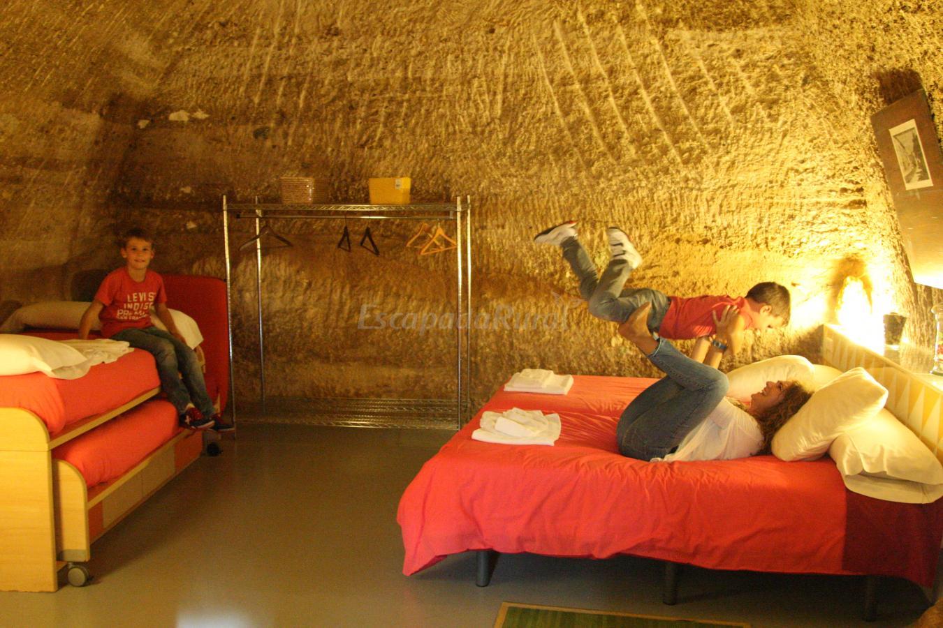 Fotos de cuevas de las bardenas casa rural en valtierra navarra - Casa rural olite ...