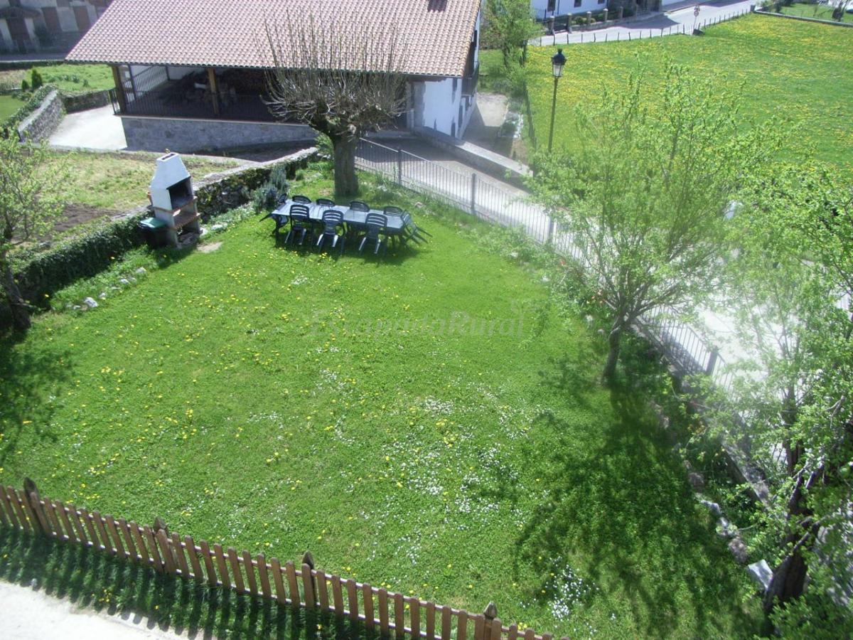 Fotos de casa rural goienetxea casa rural en aldatz for Casa rural con jardin