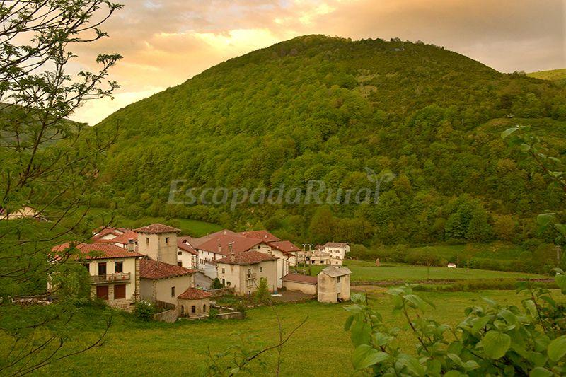 Fotos de casa rural borda lenco casa rural en zilbeti navarra - Casa rural cerca de siguenza ...