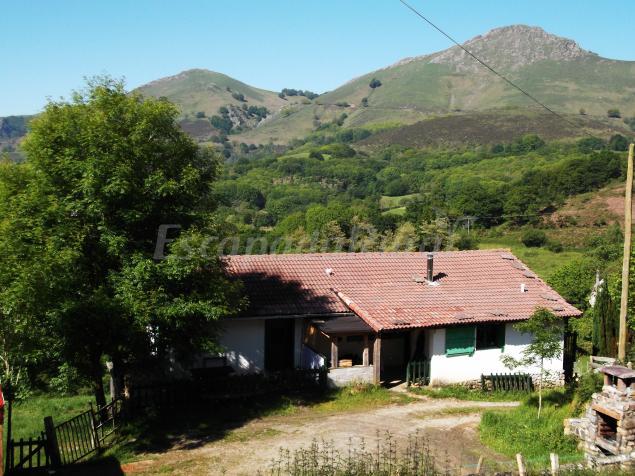 Casa rural arluzea casa rural en amaiur maya navarra - Casa rural amaiur ...
