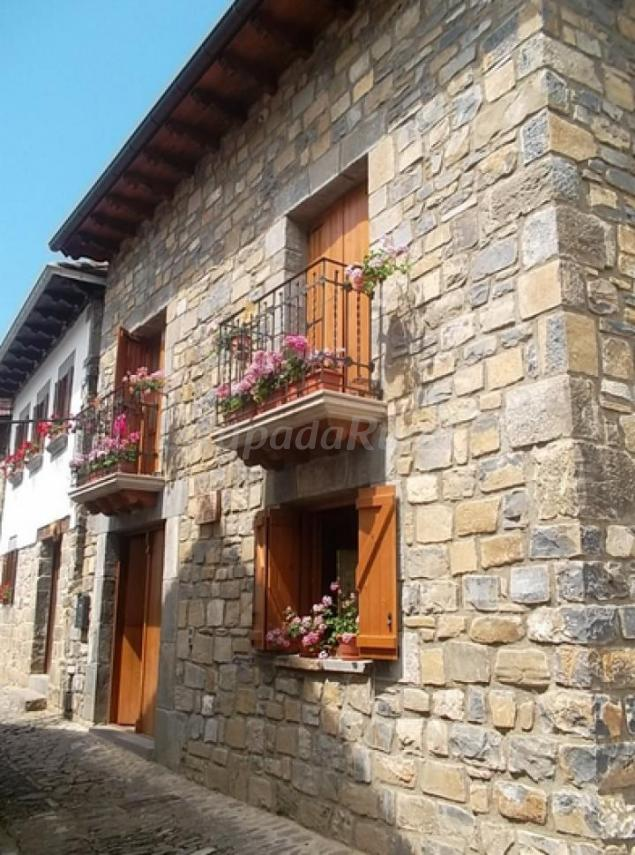 Inaxo etxea casa rural en ochagav a otsagabia navarra - Casa rural en ochagavia ...