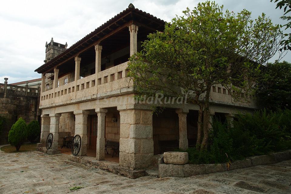 Fotos de hotel pazo carballo casa rural en ribadavia - Casa rural carballo ...