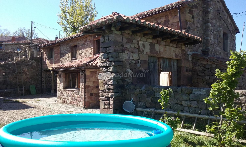 Fotos de la hornera de la abuela casa rural en bra osera for Piscinas palencia