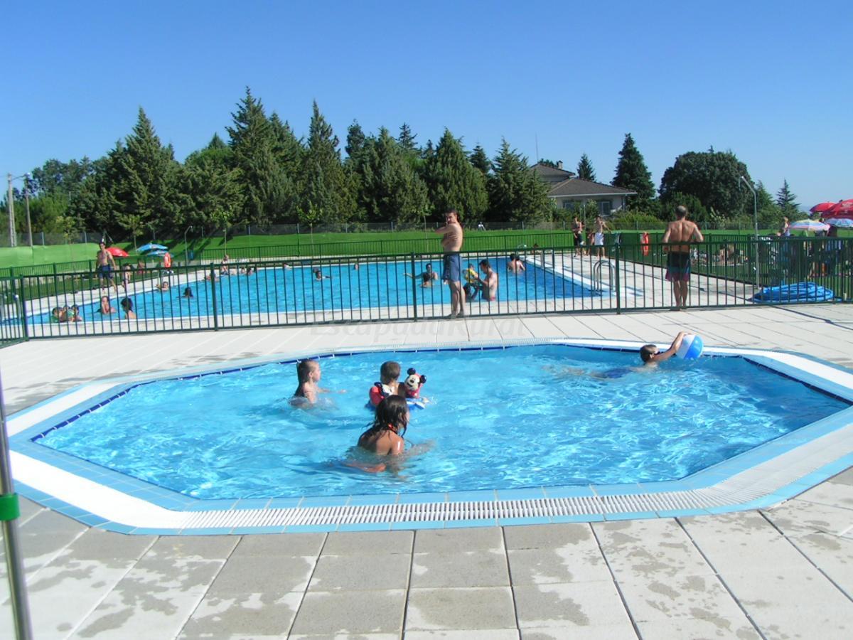 Fotos de el portal de la sierra de francia l y ll casa for Precio piscina municipal