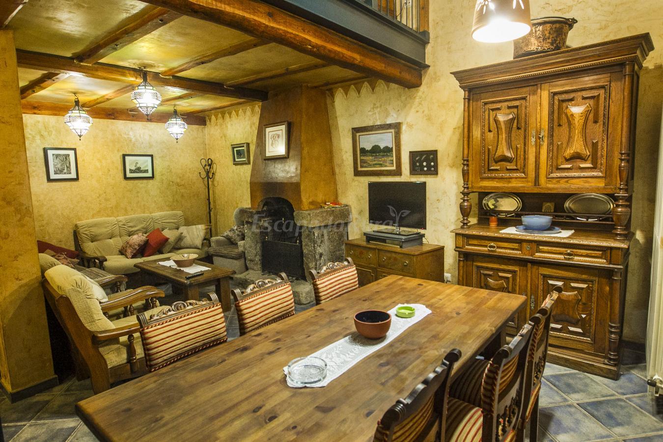 Fotos de el cartero casa rural en carpio de azaba - Fotos de salones de casas ...