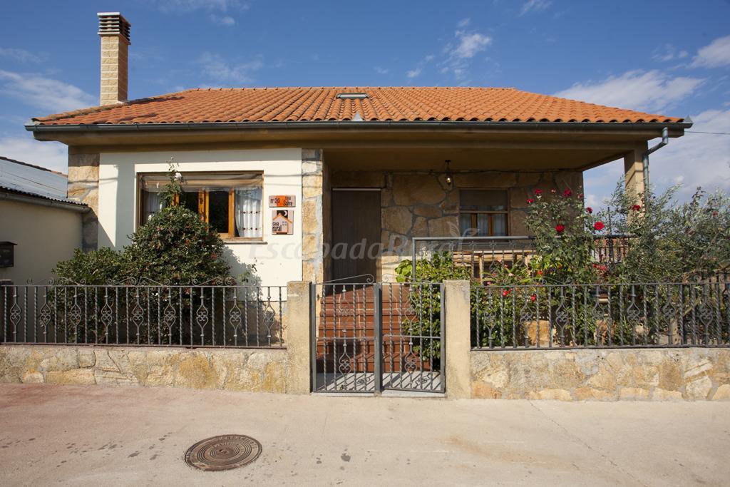 Fotos de casa salva casa rural en la rinconada de la for Inmobiliarias salamanca alquiler