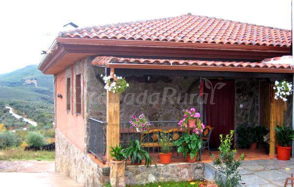 Fotos de casa rural los olivos casa rural en sotoserrano for Fachadas de casas con porche