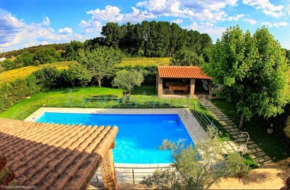 Casas cantarranas casa rural en ciudad rodrigo salamanca - Casas rurales madrid con piscina ...