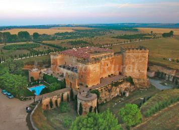 Posada real castillo de buen amor casa rural en for Muebles perdigon