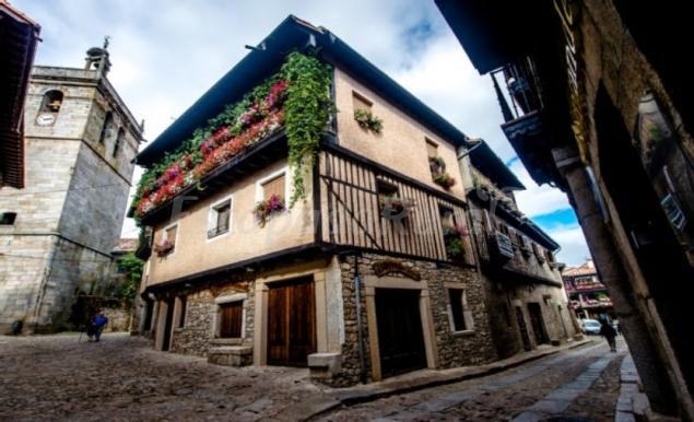 Casa rural la esquina de nimas casa rural en la alberca for Imagenes de la alberca salamanca