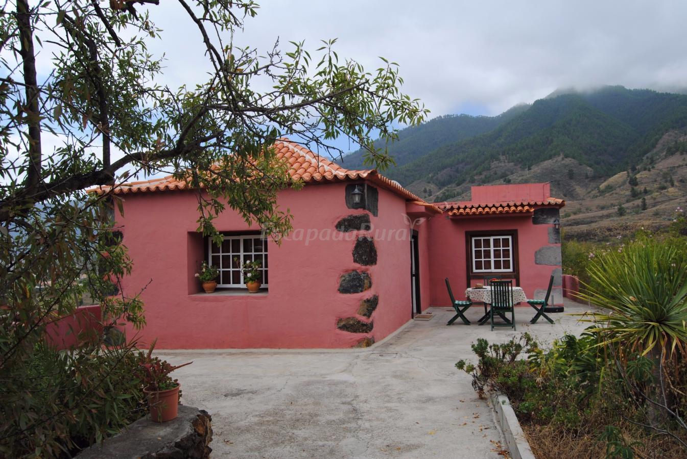 Fotos de casas sombrero pico casa rural en el paso for Casas en santa cruz de tenerife