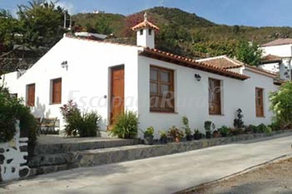 Fotos de furnia del bebedero el tilo casa rural en - Casa rural icod de los vinos ...
