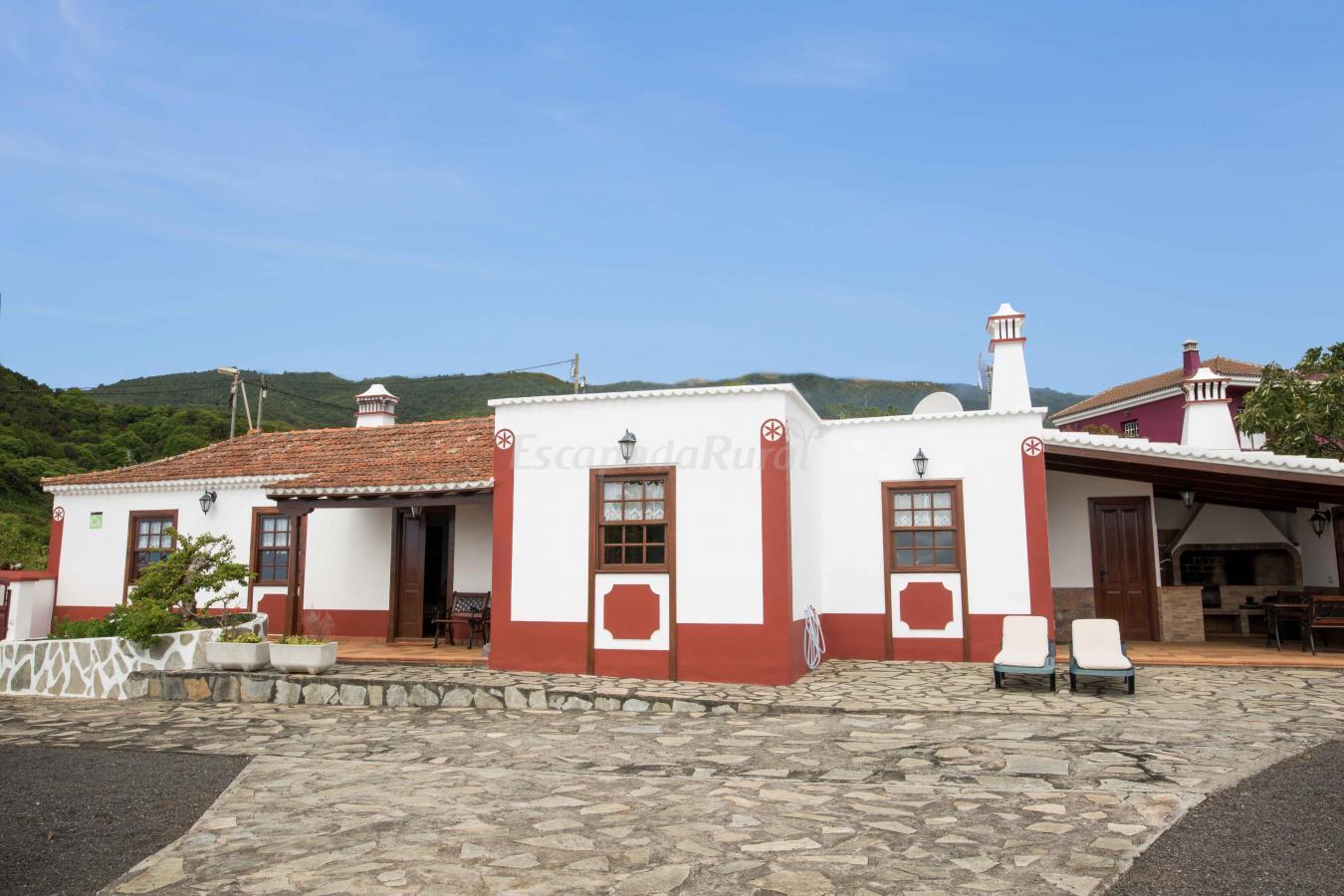 Fotos de casa la charola casa de campo em el granel for Casas en santa cruz de tenerife