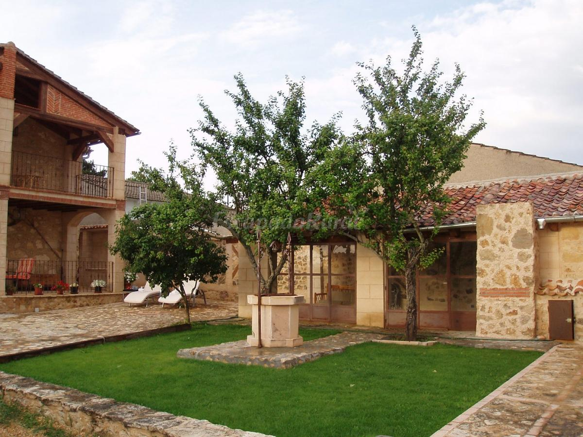 Foto di el arroyal casa rural en pedraza segovia for El jardin pedraza