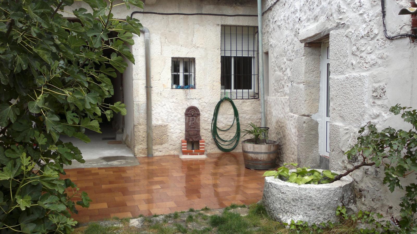 Fotos de la higuera casa rural en olombrada segovia - Casa rural la higuera ...