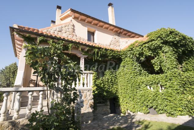 Casa Finca La Encina Casa Rural En Navas De Riofrio Segovia