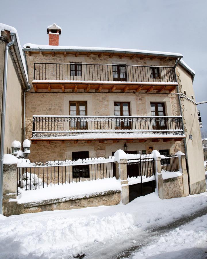 Foto di balconada de la molinera casa vacanze apr dena for Casa rural la balconada