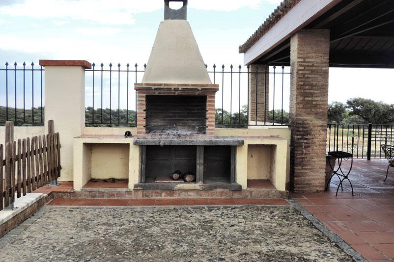 Fotos de dehesa casa quemada casa rural en gerena sevilla for Casa rural sevilla piscina