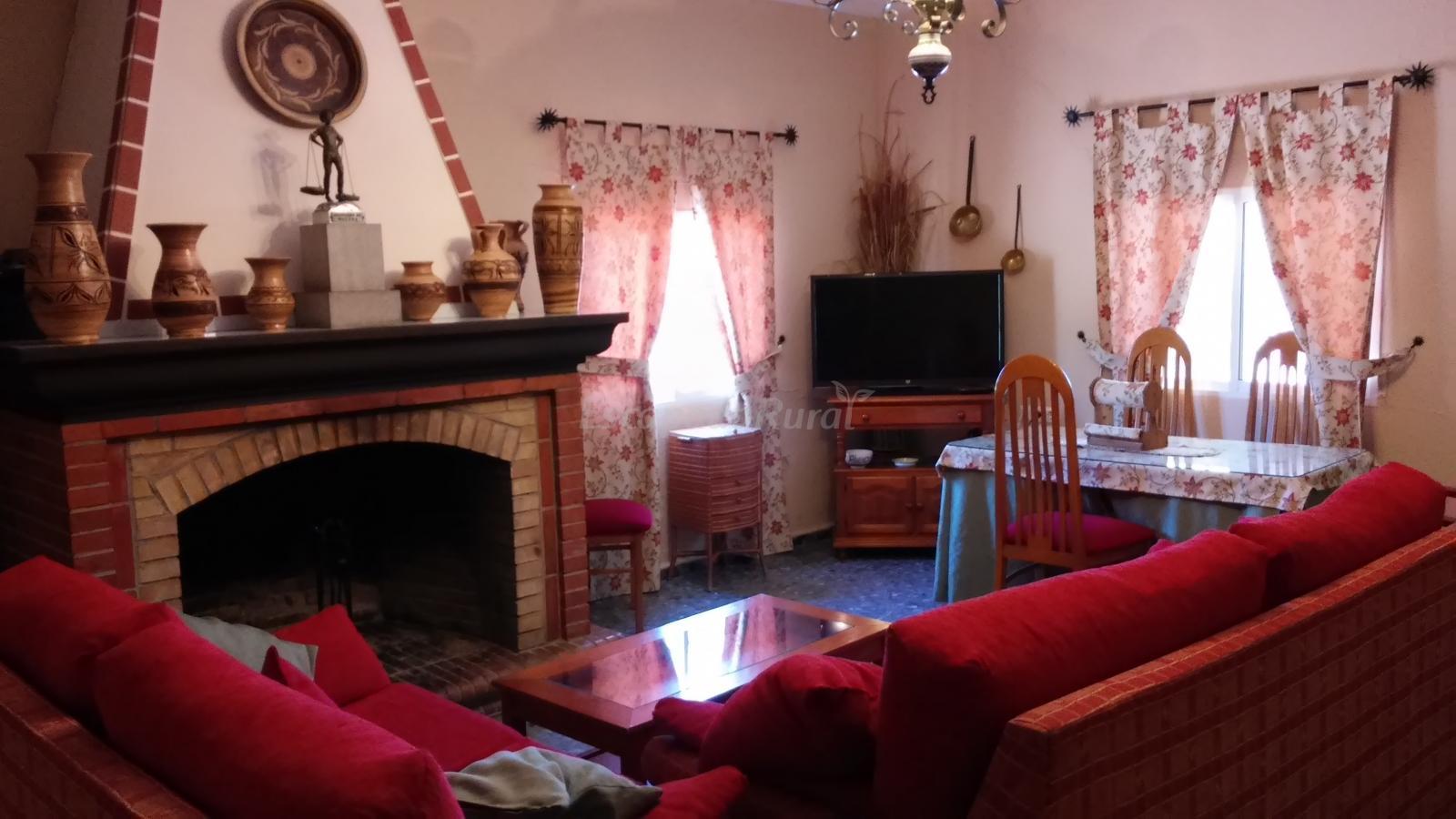 Fotos de casa rural villasol casa de campo em lora del - Casa de campo sevilla ...