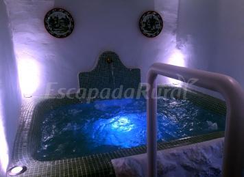 Casa spa de la mariola casa rural en la puebla de los for Casas de vacaciones en sevilla con piscina