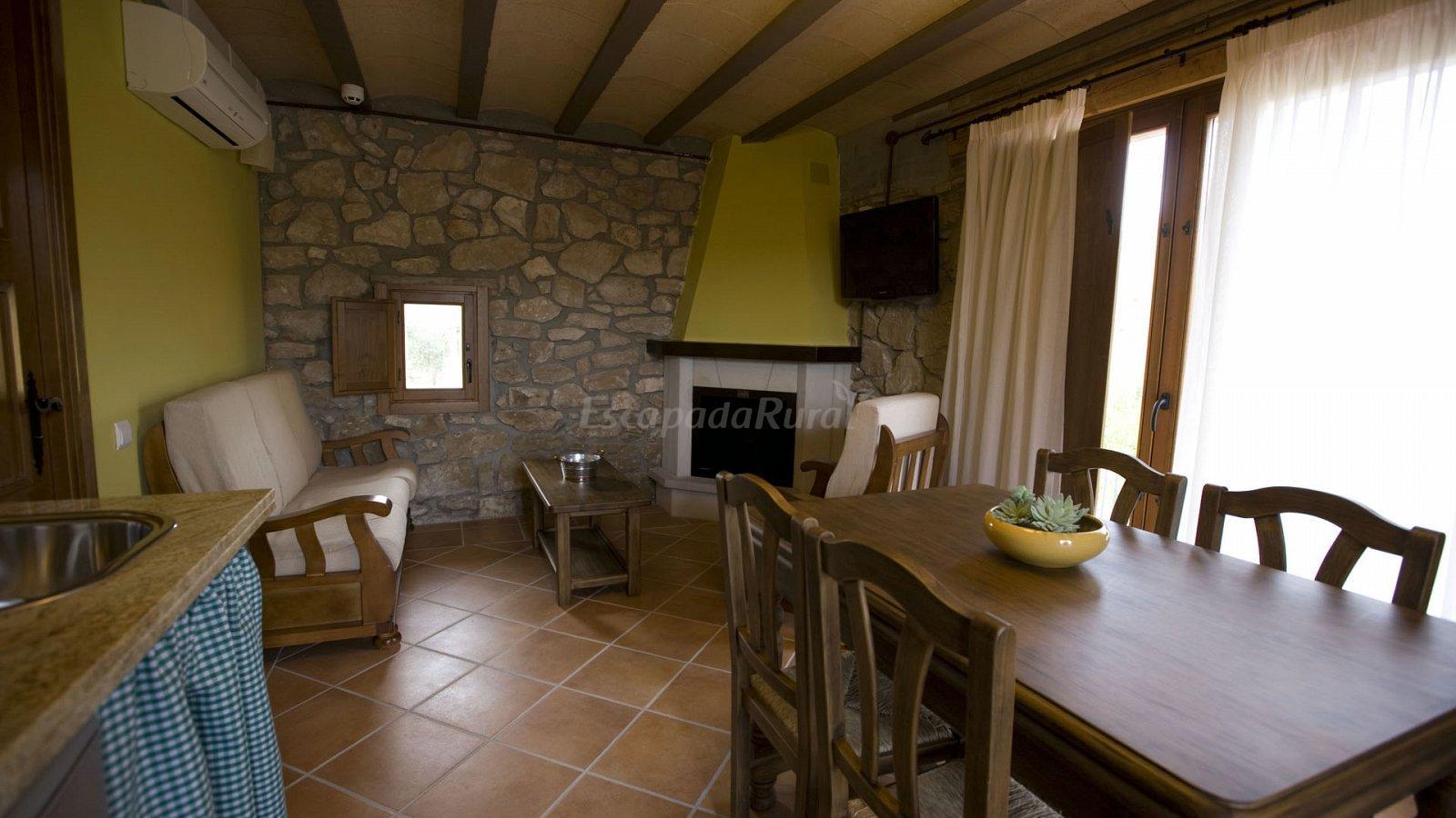 Fotos de los masos casa rural en flix tarragona for Casa rural tarragona