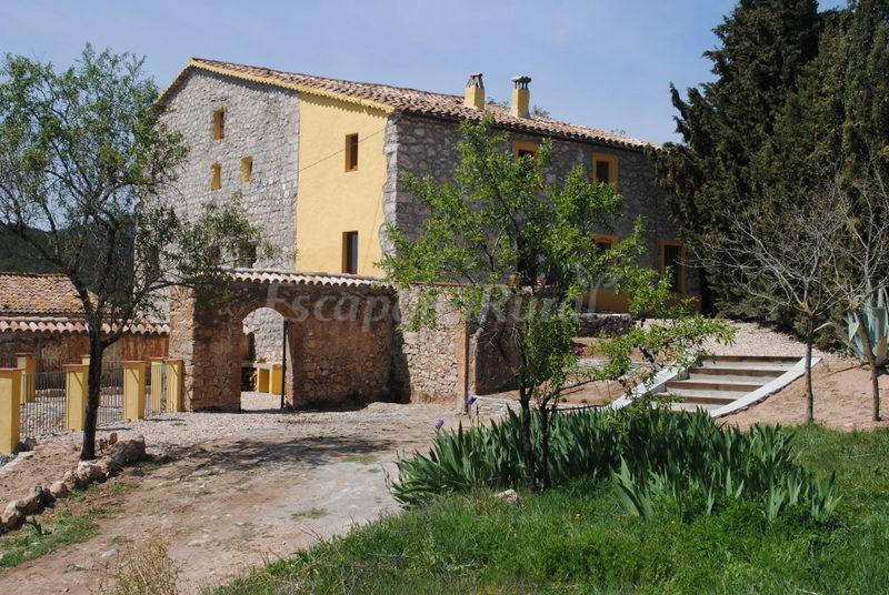 Fotos de casa rural la f brega casa rural en aiguam rcia for Casa rural tarragona