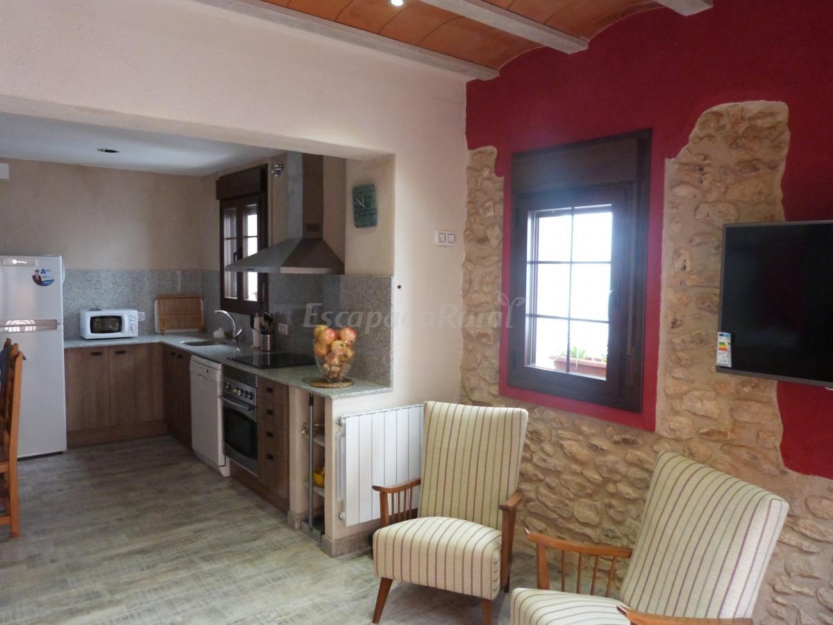 Fotos de cal vibo casa rural en vilabella tarragona for Salon de piedra