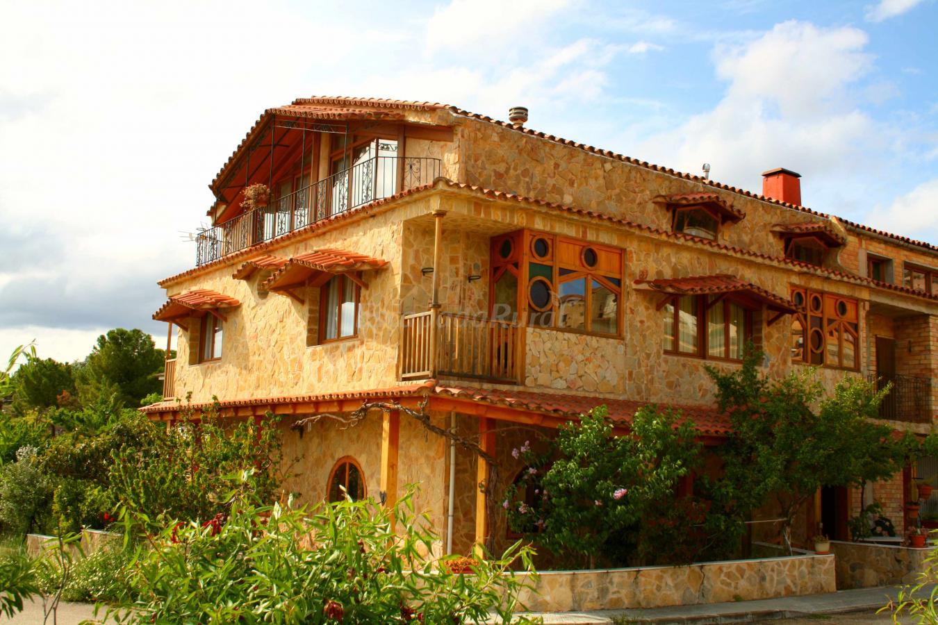 Fotos de casa toni casa rural en horta de sant joan for Casa rural tarragona