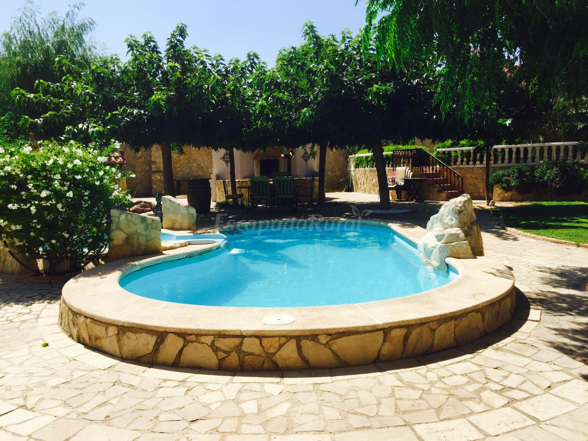 Fotos de casa rural la marquesiana casa rural en for Casas con piscina para alquilar