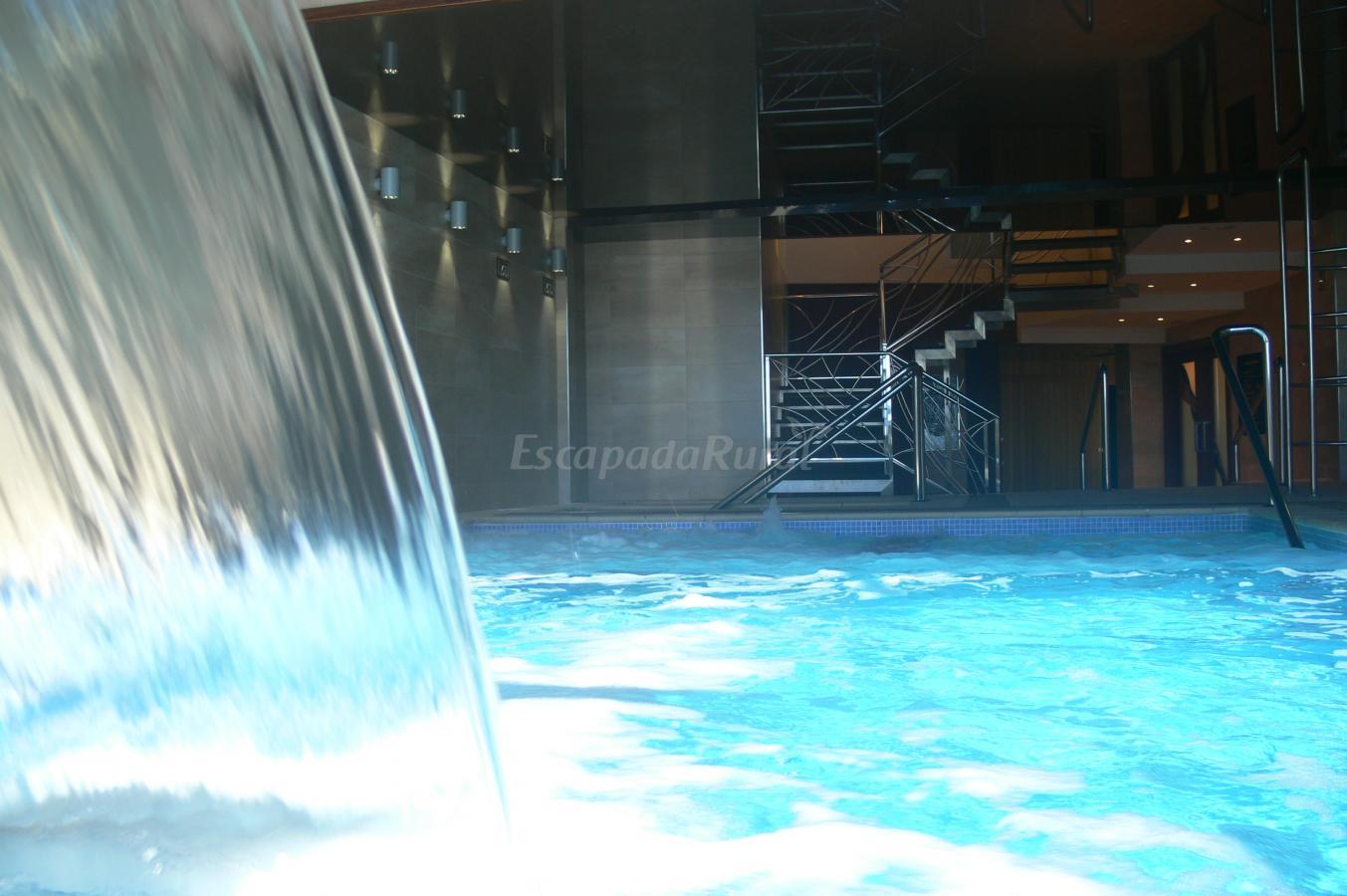Fotos de apartamentos tur sticos la trufa negra casa rural en mora de rubielos teruel - Casas rurales teruel con piscina ...